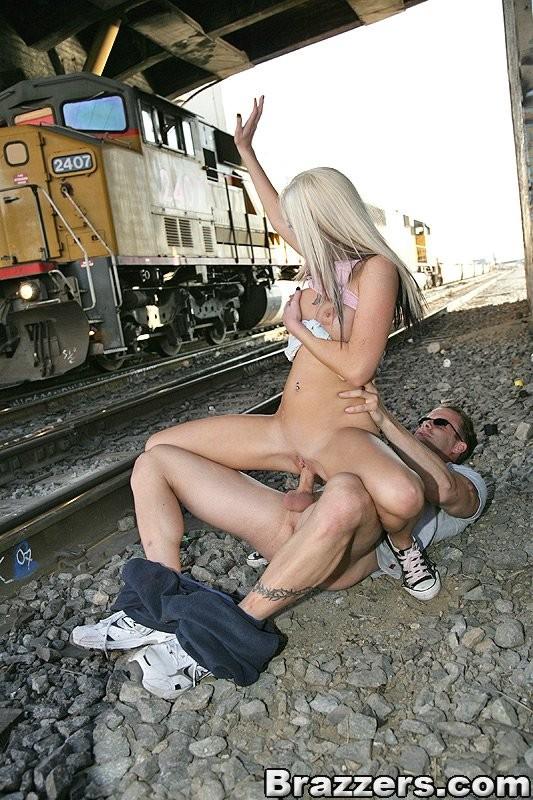 Скачать Порно Ролики Эротика На Улице Бесплатно